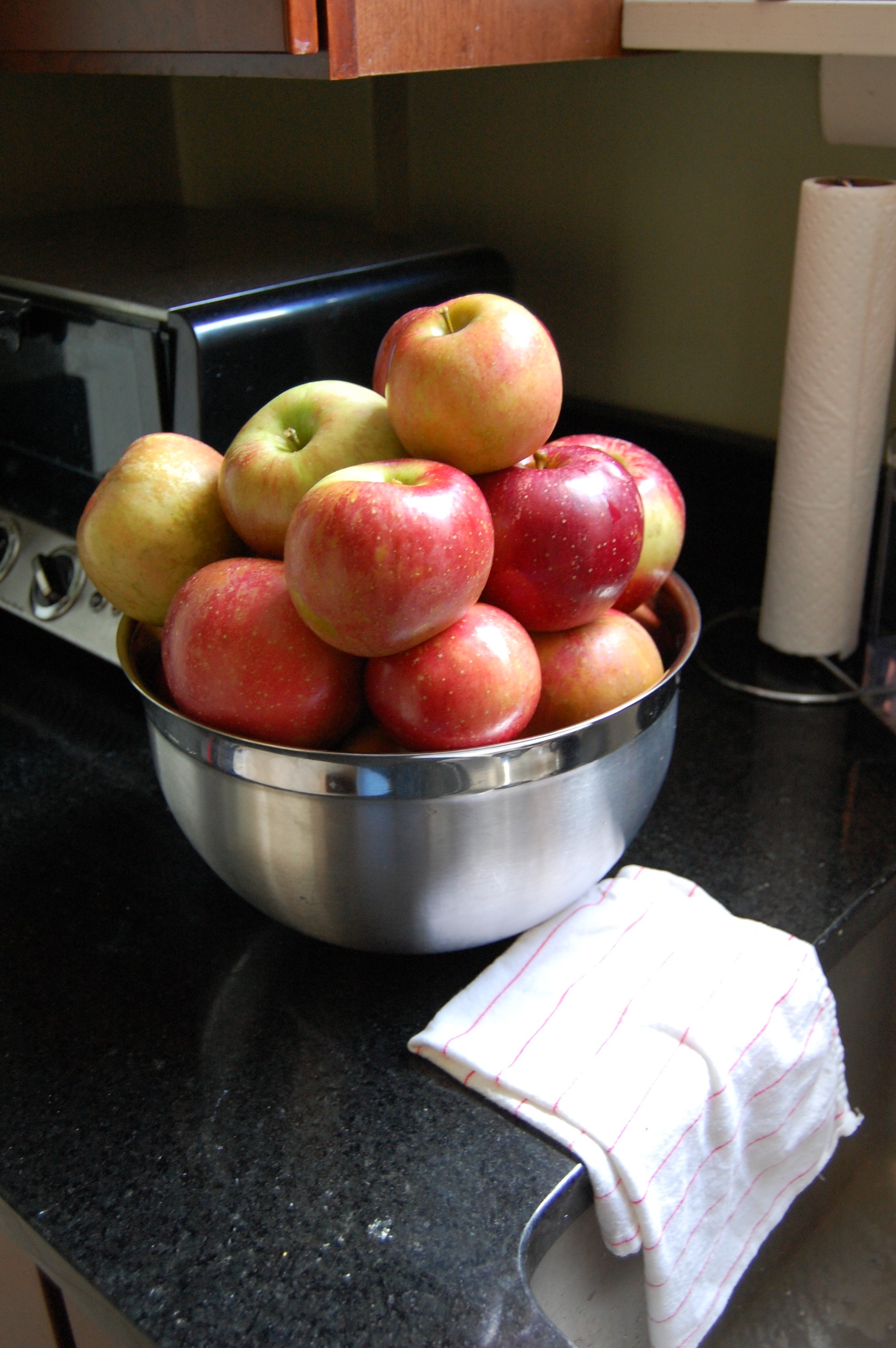 Pick your favorite apples (store or orchard) - We chose Melrose
