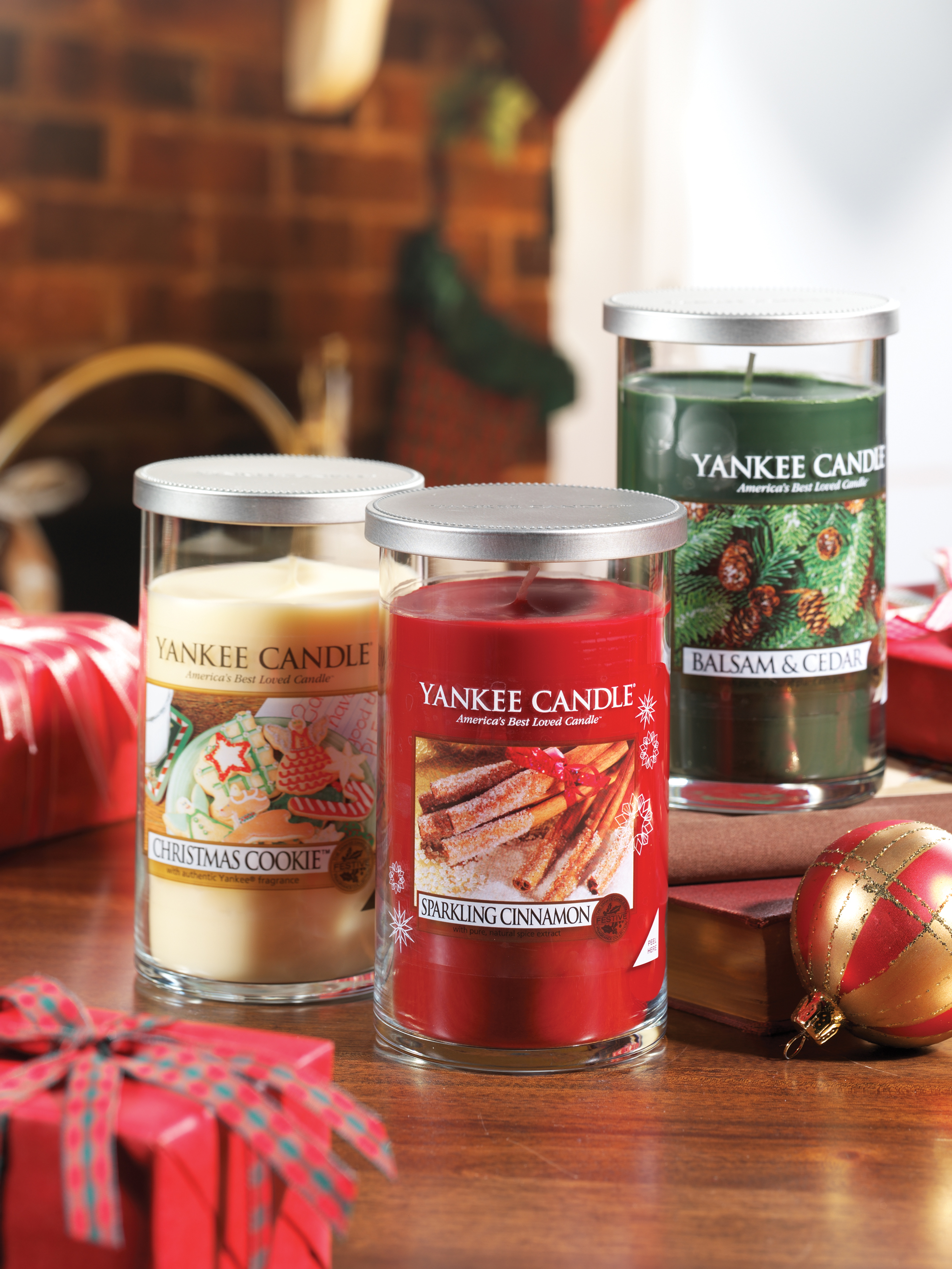 yankee candle Holiday Filled Pillar Trio Environment