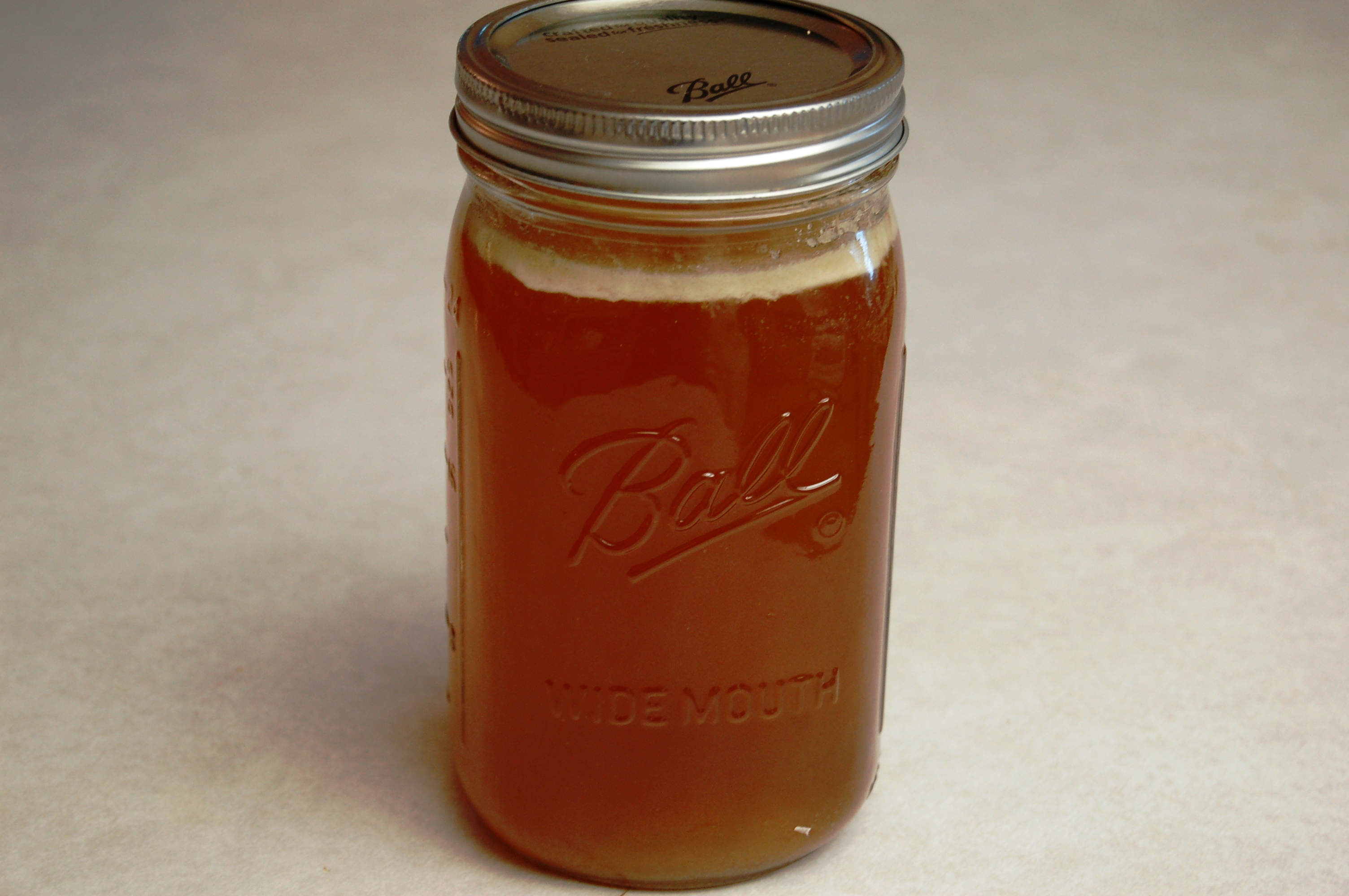 a simple {real food} recipe :: nourishing beef stock