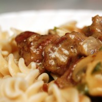 a simple real food recipe :: beef stroganoff :: allergen free options
