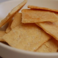 a simple real food recipe :: homemade soaked crackers