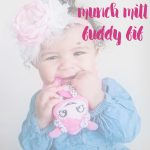 easy teething relief for baby #buddybib from munch mitt
